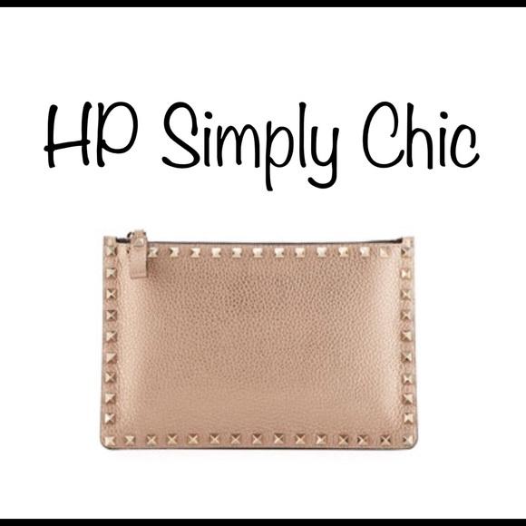 Valentino Handbags - ❤️HOLD❤️Valentino Rockstud Small Zip Pouch